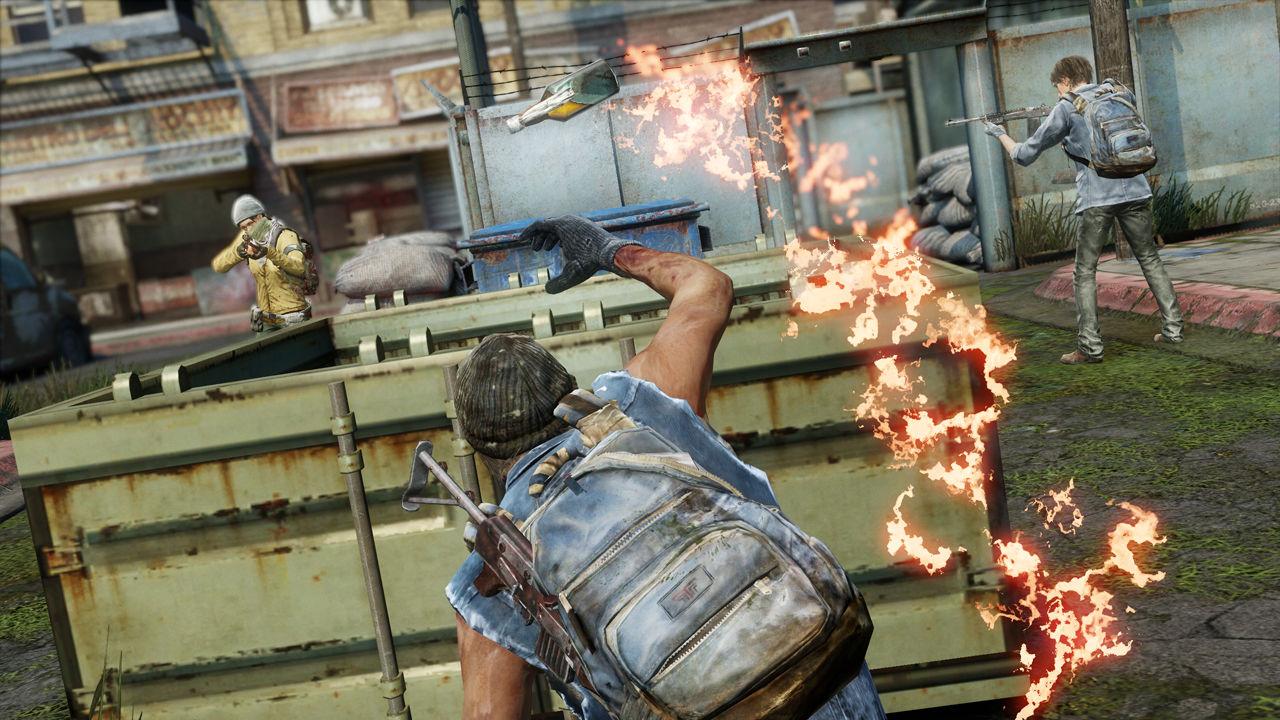 molotov throw TLOU mp.jpg